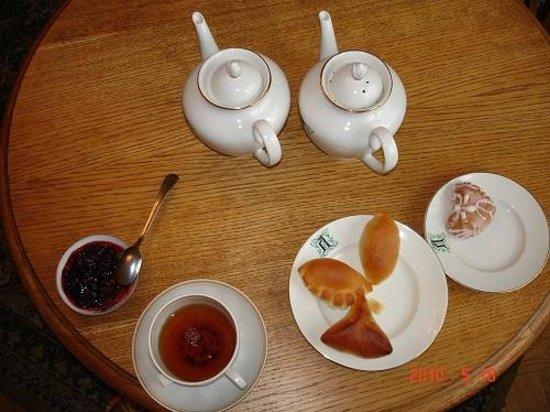 Danilovskaya Hotel : чай с травами и пирожки супер