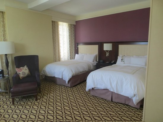 Peoria Marriott Pere Marquette: Very comfortable beds