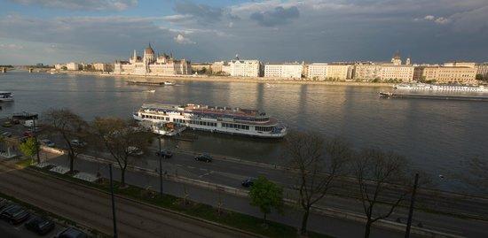 art'otel budapest: Утренняя панорама из номера