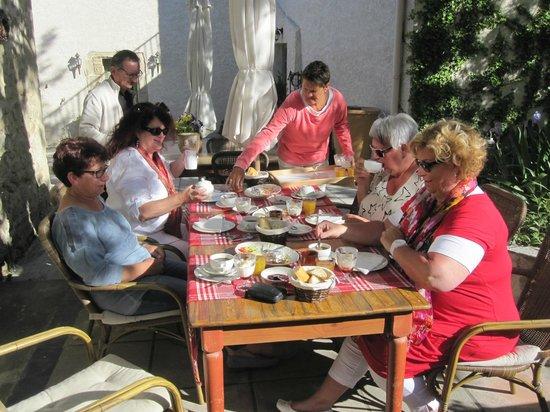 Domaine Le Bois Des Dames : Ontbijtje.......mmmm