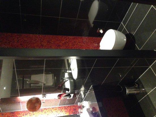 Eurostars Grand Central: Toilette / Bad