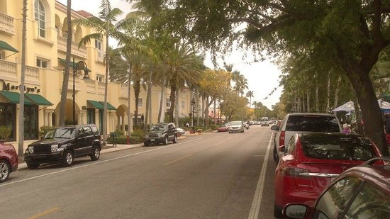 Fifth Avenue South: 5 rd Ave Naples