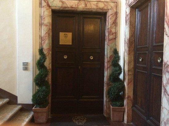 Palazzo Carletti : Вход в отель