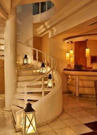 Myconian Ambassador Hotel & Thalasso Spa Center: Интерьер в отеле