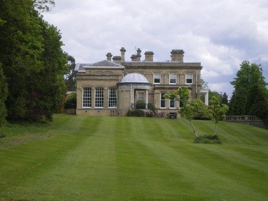Ponsbourne Park De Vere Venues: External view of the main building