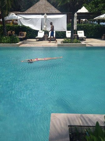 Layana Resort and Spa: I could float all day long at the pool..