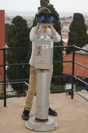 Roloi Clock Tower: Бинокль на смотровой площадке