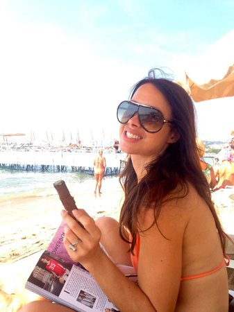 InterContinental Carlton Cannes: A cigar and the latest fashion magazines at the beach a must!
