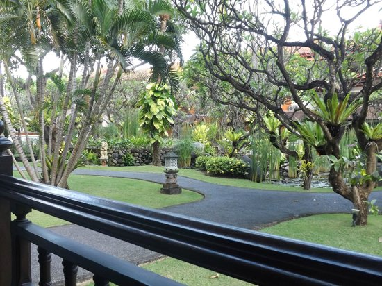 Sol Beach House Bali Benoa by Melia Hotels International: the gardens from our room