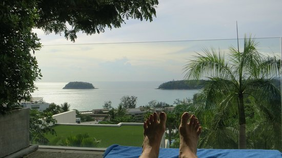 The Heights Phuket : Putting our feet up on the patio