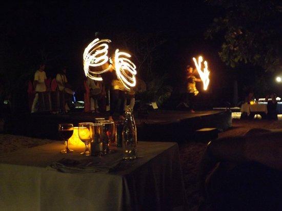 Sol Beach House Benoa Bali by Melia Hotels International : evening fire show on beach