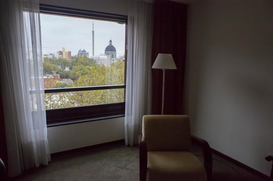 Four Points By Sheraton Montevideo: Вид из номера