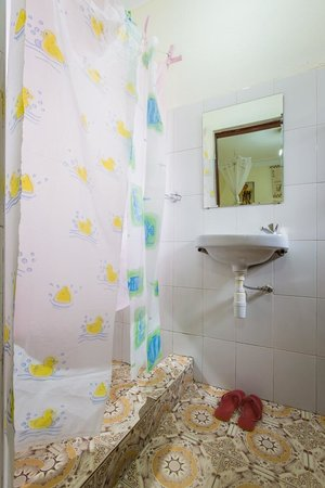 Sawasawa Guest House : Ensuite bathroom