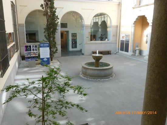 Museo de los Origenes (Museo de San Isidro): Patio.