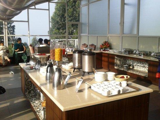Devonshire Greens: breakfast at restaurant