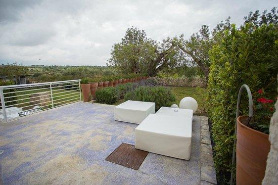 Balarte Hotel : Il giardino esterno della camera