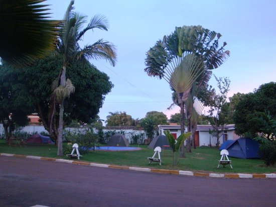 Entebbe Backpackers: Gardens