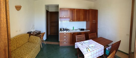 soggiorno e angolo cottura - Picture of Hotel Al Paradise, San Vito ...