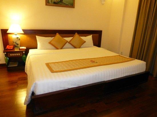 Huong Sen Hotel: 部屋