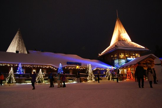 Santa Claus Village: when dark