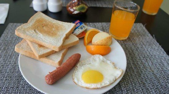 Hotel Elite Inn: 簡單早餐