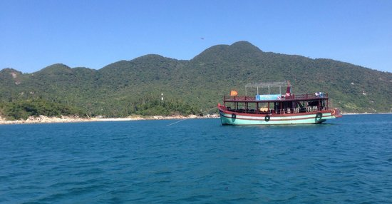 Blue Coral Diving: The blue coral boat
