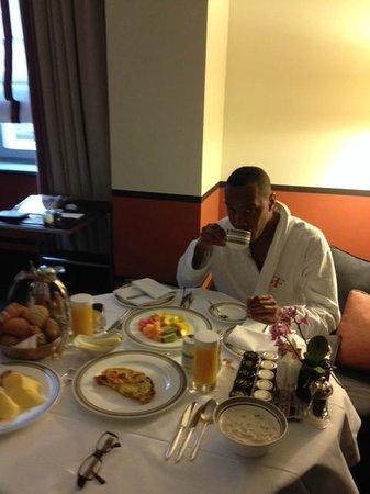 Hotel de Rome: Room Dining - Breakfast