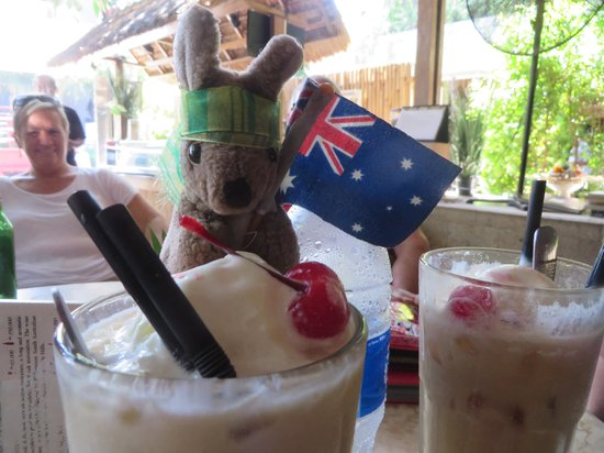 Rama Garden Hotel Bali : 'Splodge' and his iced coffees.