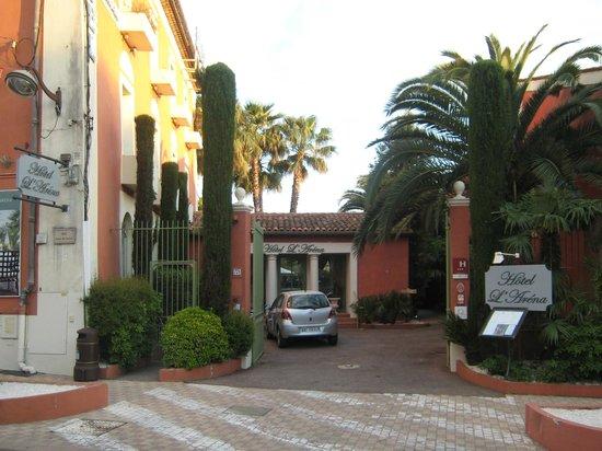 Hotel L'Aréna : L'ingresso