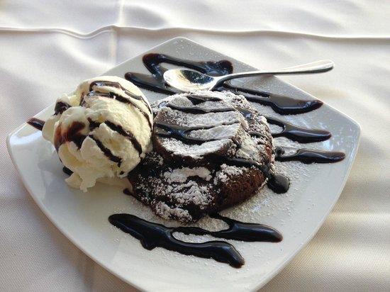 Avli Restaurant : amasing chocolate cake