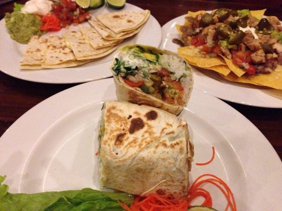 Taco Casa: 부리또 / 퀘사디아 / 나쵸 그란데