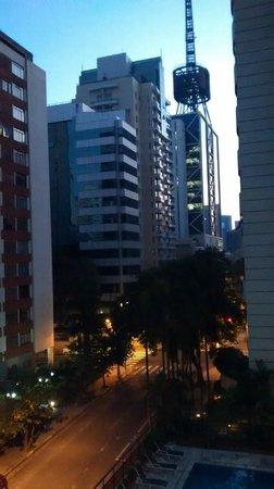 Grand Plaza Sao Paulo Jardins : A vista do meu quarto. My room's view.