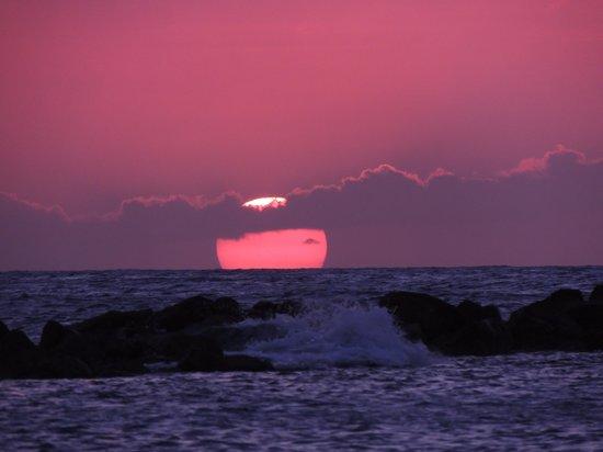 Sunscape Curacao Resort Spa & Casino : Beautiful sunsets every night