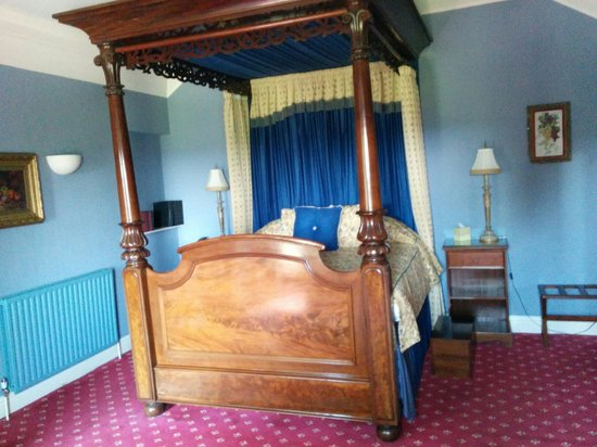 BEST WESTERN Sysonby Knoll Hotel: 4 Post Bed in Guest Room