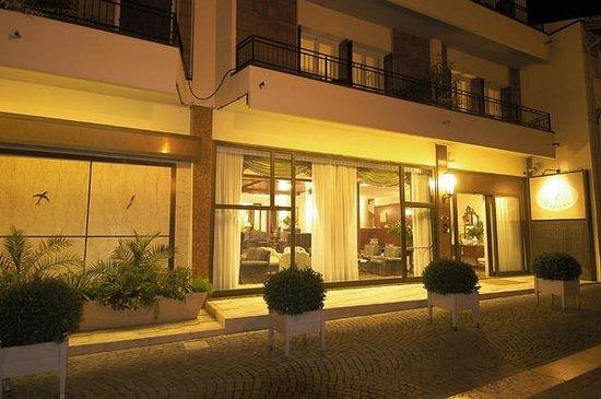 Hotel 4 Stagioni: Entrata Albergo
