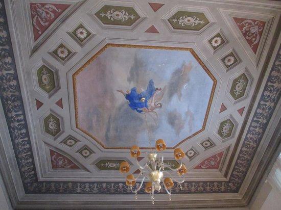 Residenza d'Epoca in Piazza della Signoria: Living room ceiling