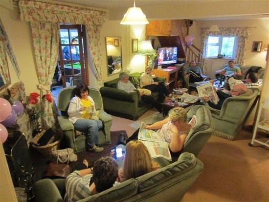 Plenty of seating in the living Room @ Barlings Barn.