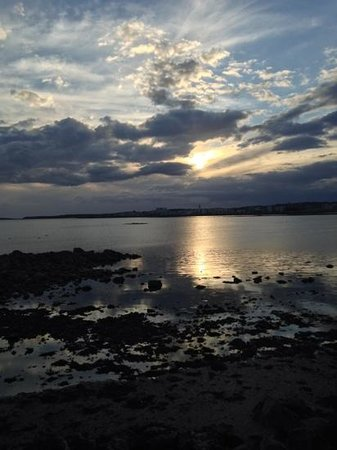 Salthill Beaches: beautiful at sunrise or sunset