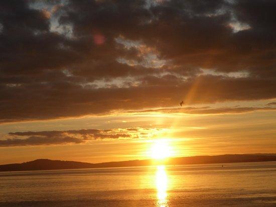 Sunnyside House Bed & Breakfast: Stunning sunsets