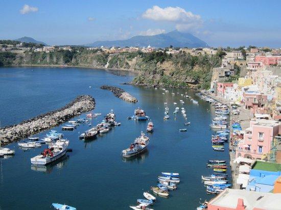 Hotel La Casa sul Mare: The view from the terrace