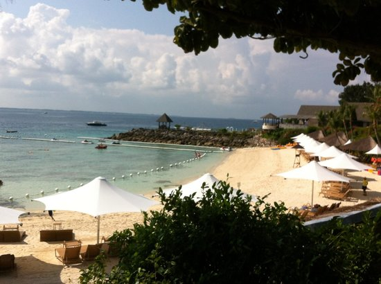 Shangri-La's Mactan Resort & Spa: Beautiful and perfect beaches at shangrila mactan Cebu