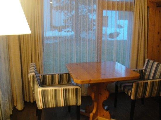 Hotel Cervus: リビング