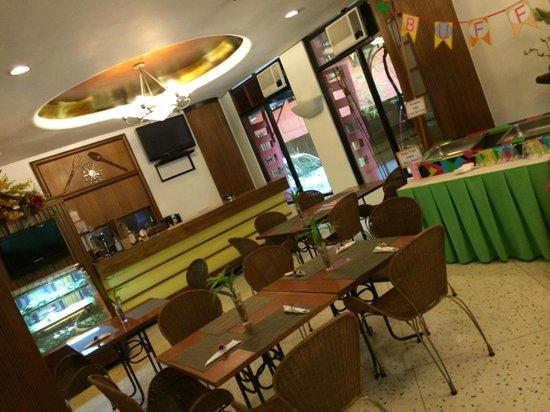 "The Mabuhay Manor: Lobby y ""bar"" del hotel"