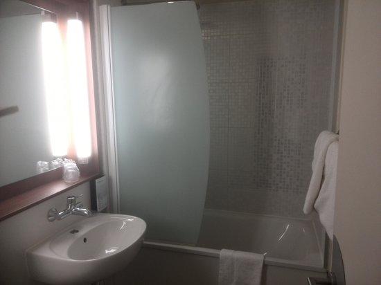 Campanile Montpellier Est - Le Millénaire : baño
