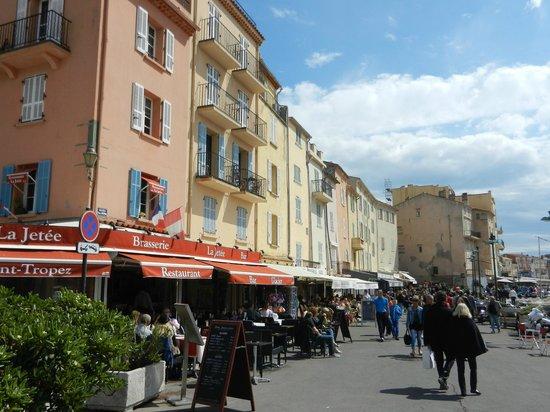St. Tropez Harbor : Lots of restaurant options