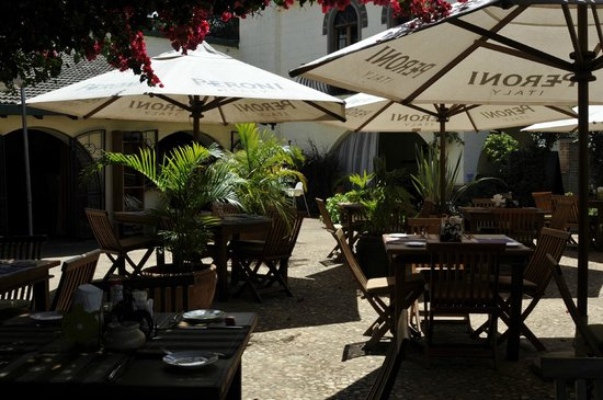 Purdy Arms : The terrace