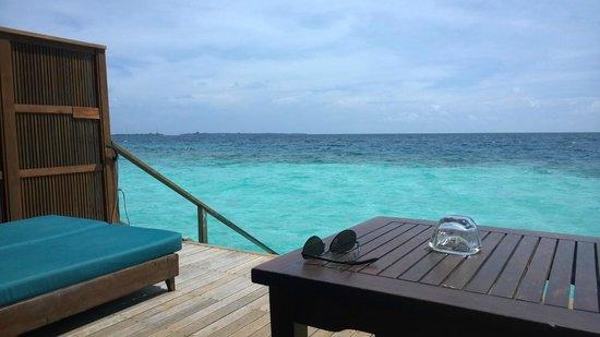 Veligandu Island Resort & Spa: Dalla camera