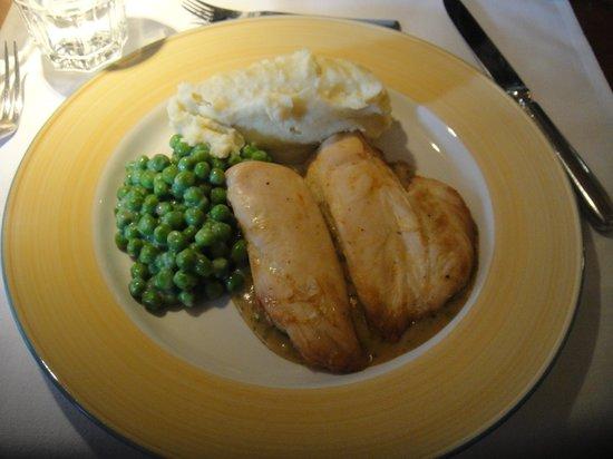 Hauser Restaurant: 胸肉  グリンピース  マッシュポテト