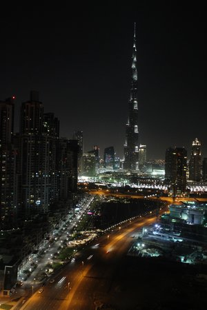 The Oberoi, Dubai: Night time view from our room