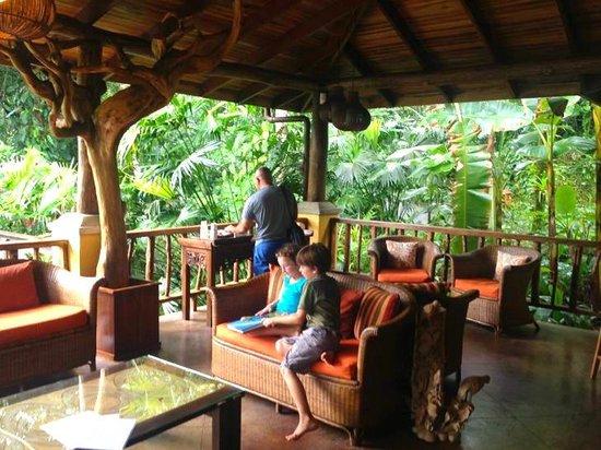 Lost Iguana Resort & Spa: Reception, Check in Area